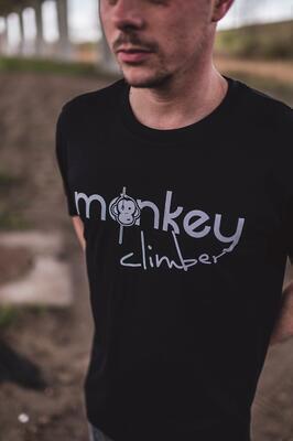 Monkey Climber tričko Front Cover T-Shirt - 1