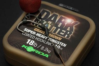 Korda ztužená šňůrka Dark Matter Tungsten Coated Hooklink 25 lb Brown (hnědá) (KDMCG25) - 2