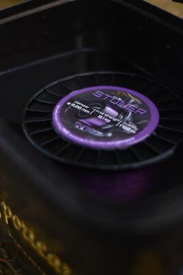 Sportcarp vlasec Stoner Fluo Purple 0,28 mm 8,1 kg 1750 m - 2
