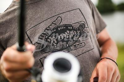 Korda tričko Carp In Hand T-Shirt - 5